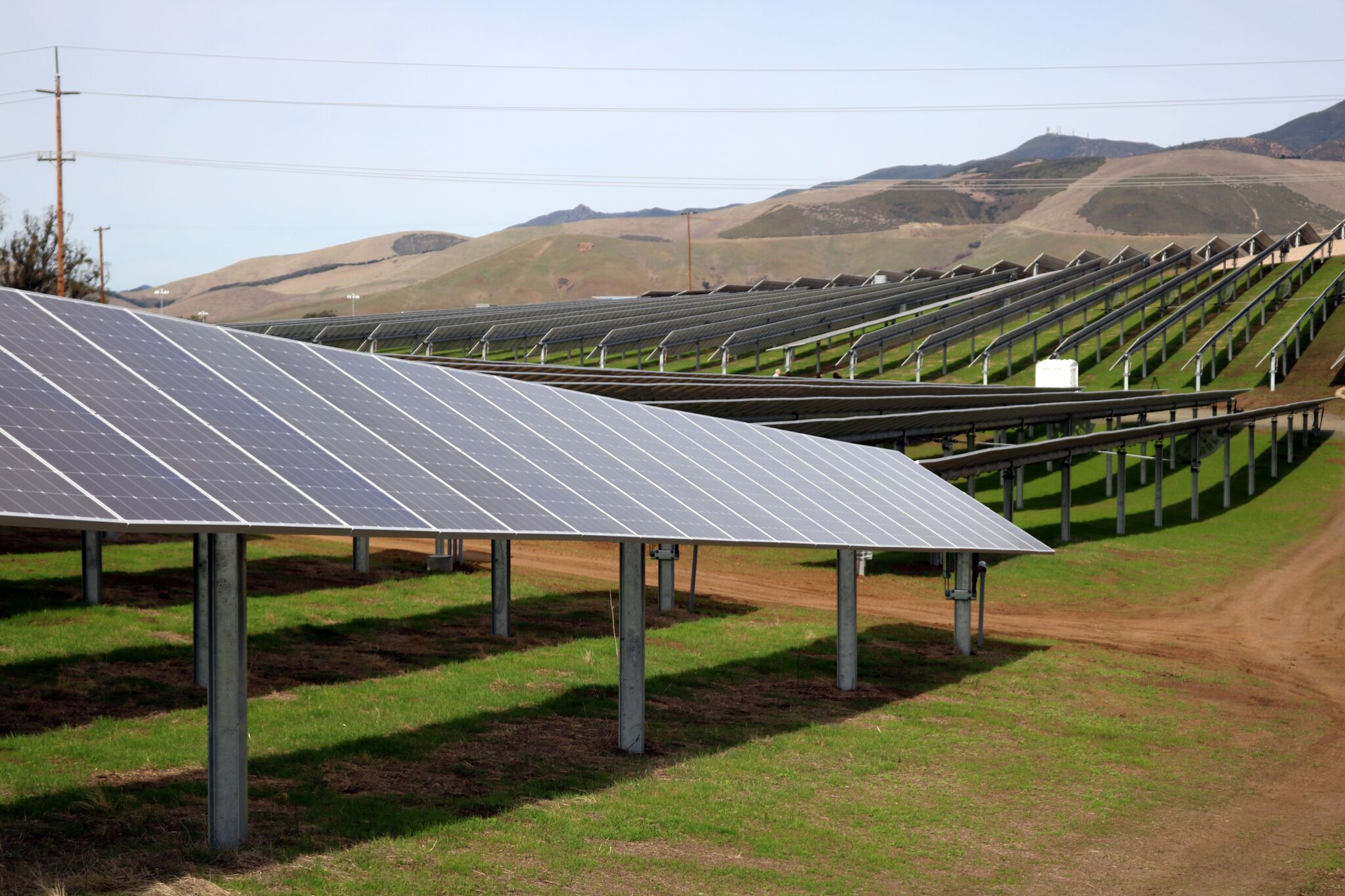Cal poly dedicates solar farm first major project for Solar ranch